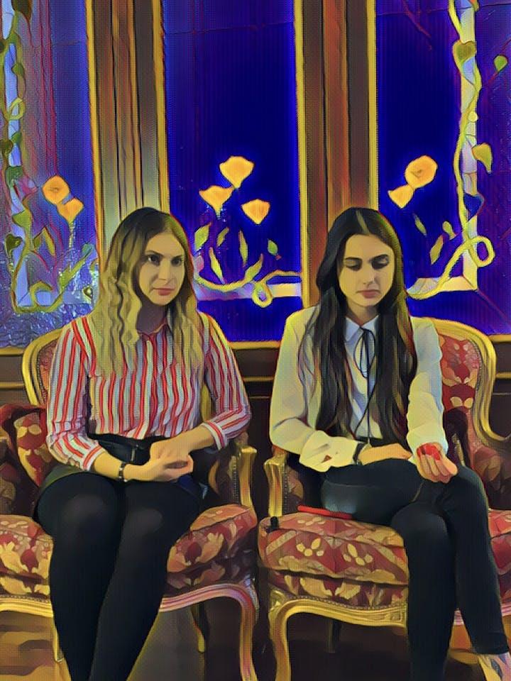 Вопросики: Саша и Карина